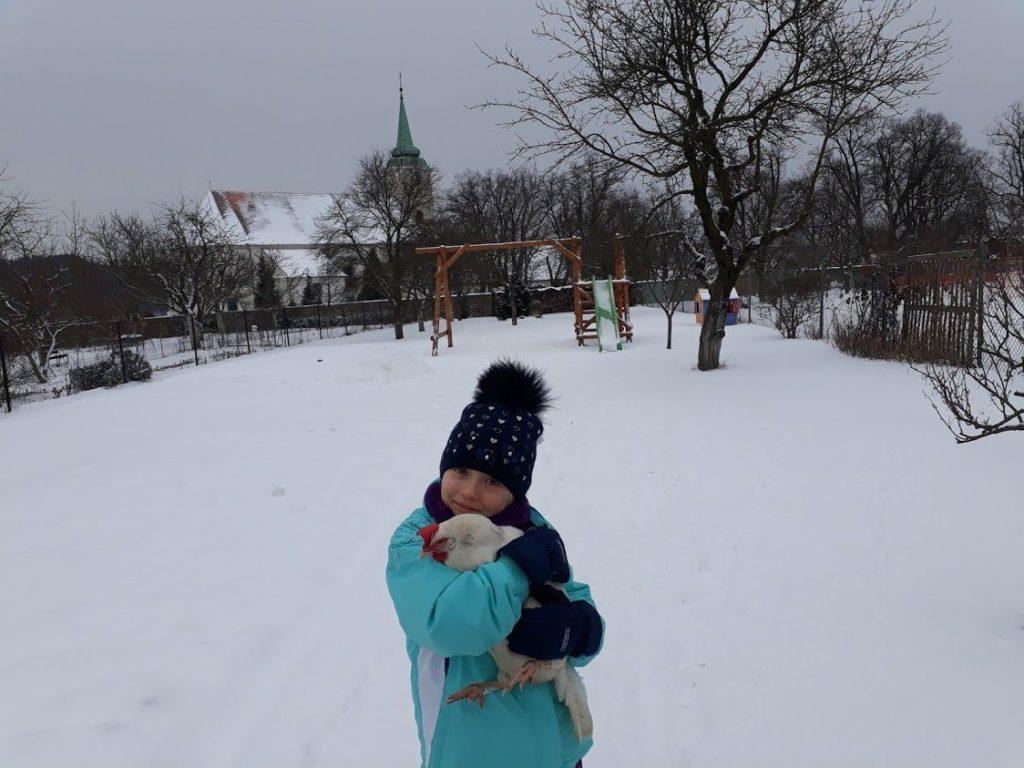 slepička aVerunka ve sněhu